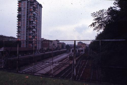 Paolo Monti, Milano, il fascio binari della stazione di Cadorna e la torre del parco