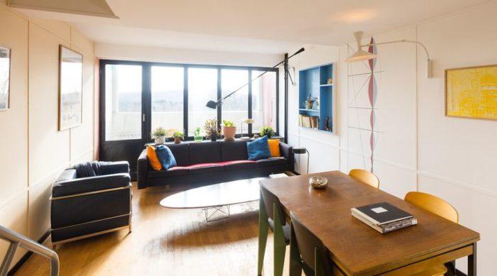 Interno di un appartamento dell'Unité d'habitation di Marsiglia, riarredato secondo il disegno originale di Le Corbusier dall'architetto Philipp Mohr. Fonte: elledecor.com